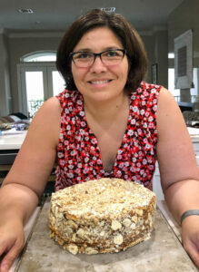 Pilar Hernández bakes a cake